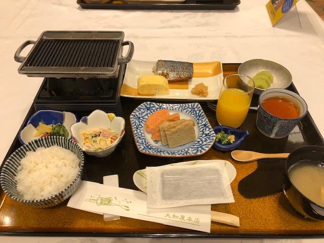 大和屋本店朝食