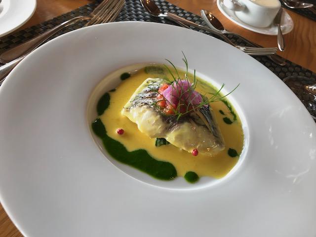 シェタチバナランチの魚料理