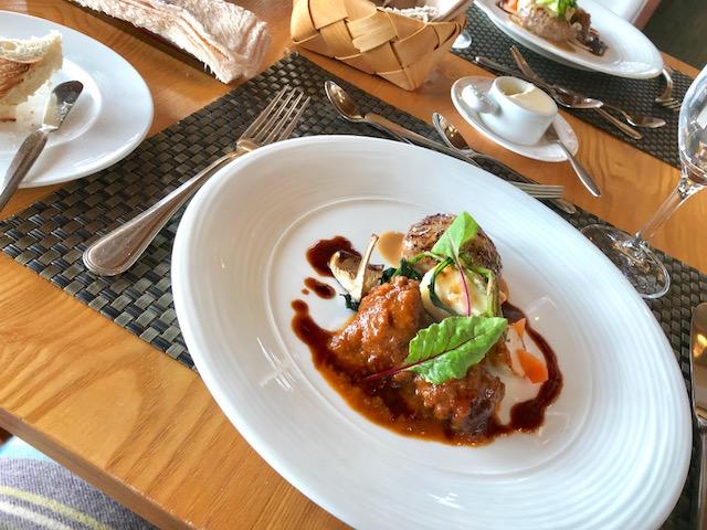 シェタチバナランチの肉料理