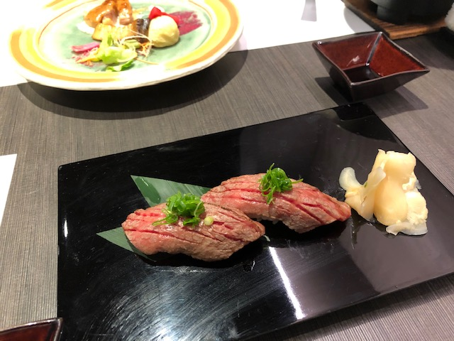 茶玻瑠ディナー特別メニュー和牛炙り握り