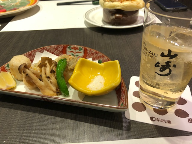 茶玻瑠ディナーの天ぷら&山崎ハイボール