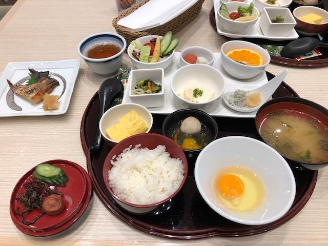 茶玻瑠朝食